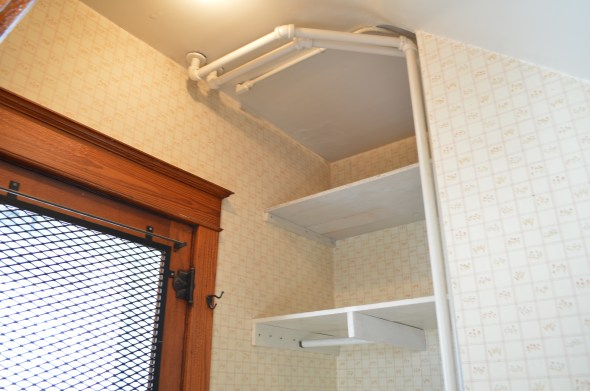mudroom water supply pipes