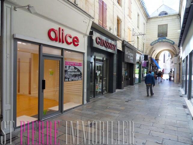 location boutique passage du commerce à Niort local commercial st pierre immobilier