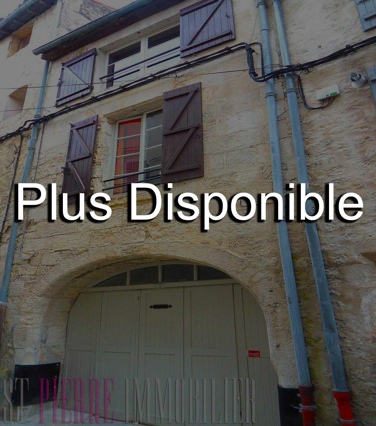 Maison de ville avec garage niort st pierre immobilier for Location de garage niort
