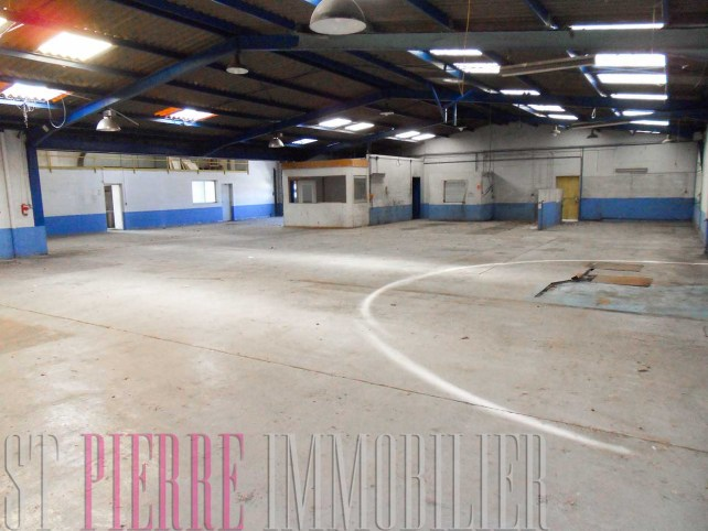 vente grand local commercial niort pointp