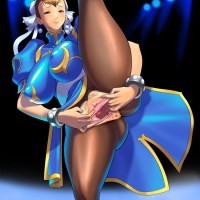 Chun-Li wants everyone to see how stretchy her pussy is!