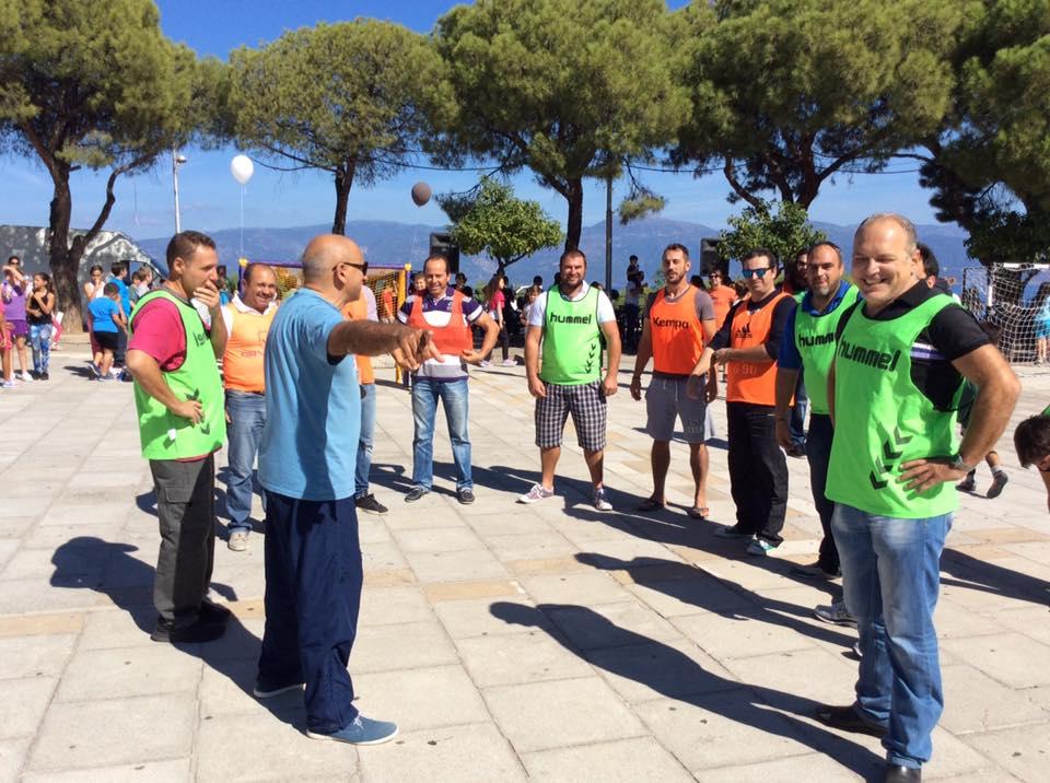 Greece Serifato Handball Club 500 children to Street Handball in the Square Psilalonia3