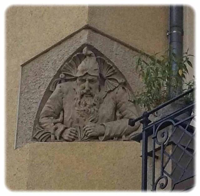 Wächter an der Ankerstraße in Tolkewitz. Foto: Heiko Weckbrodt