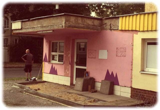 In diesem alten Fabrik-Pförtnerhäuschen an der Bärensteiner Straße war früher der pakistianische Imbiss zu finden. Foto: Heiko Weckbrodt