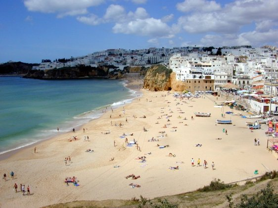 Beach_at_Albufeira