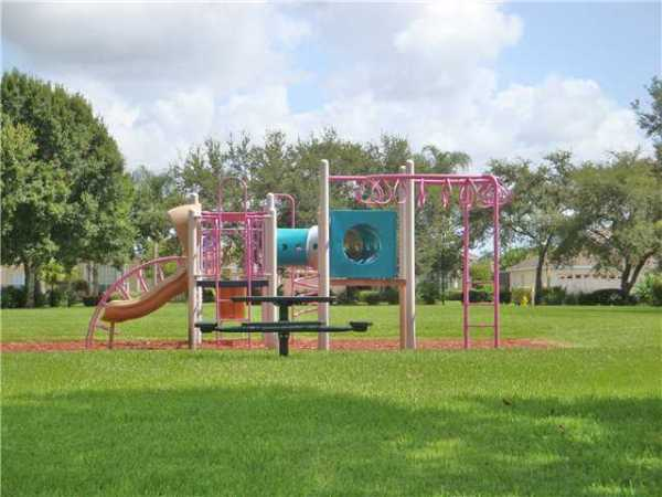 Islesworth Playground