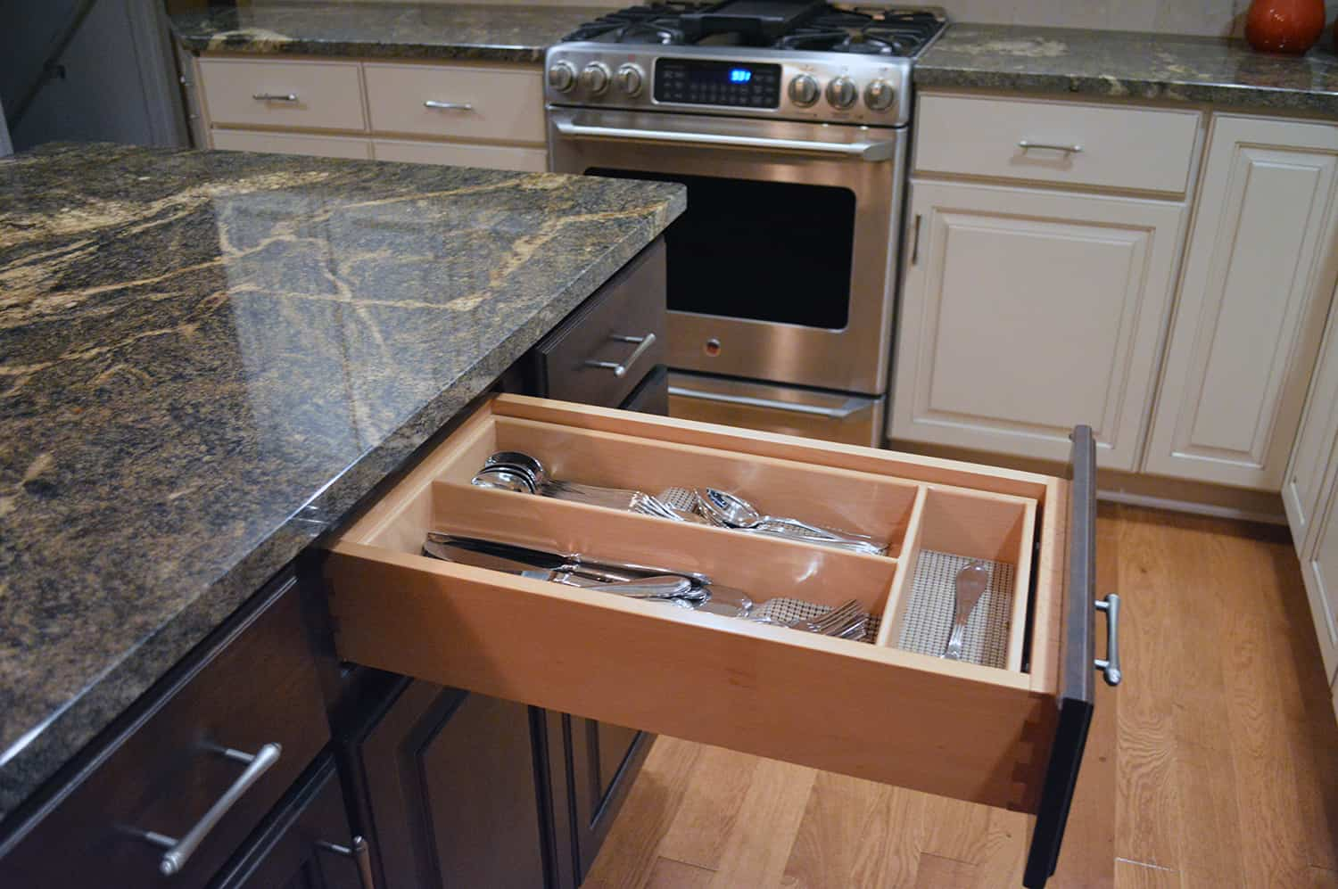 know cabinet good quality kitchen cabinet drawers Kitchen cabinets with dovetail drawers