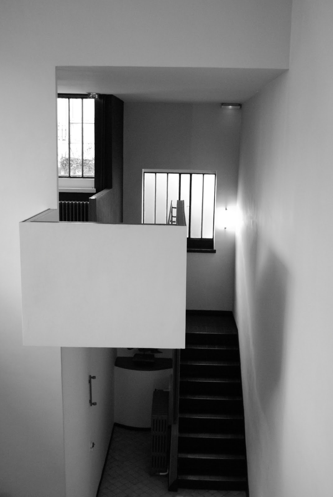 maison la roche le corbusier in paris cate st hill. Black Bedroom Furniture Sets. Home Design Ideas