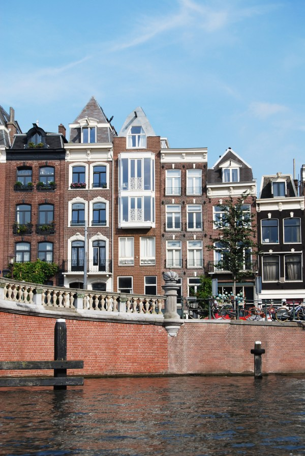 travel-guide-amsterdam-2