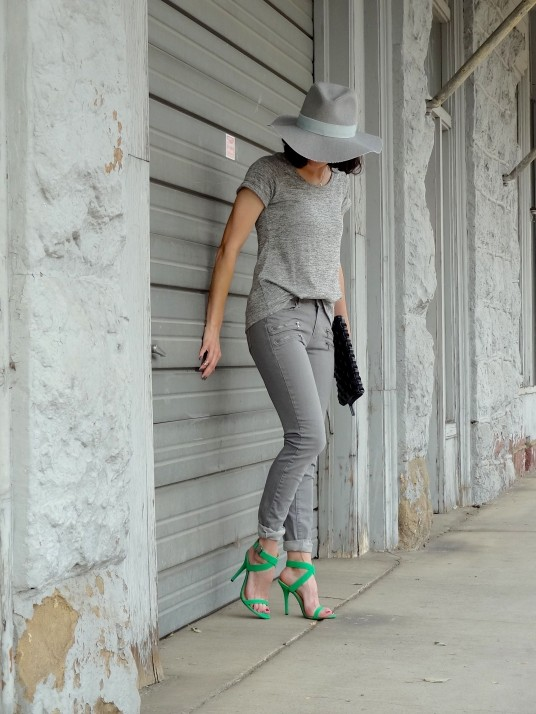 Grey 3a
