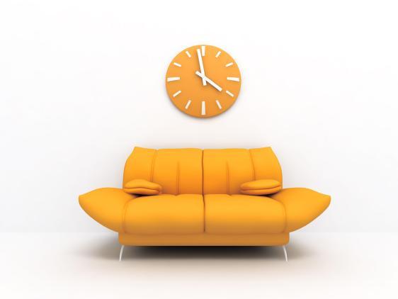 פינת ישיבה מעוצבת עם קווים קמורים ובצבע צהוב