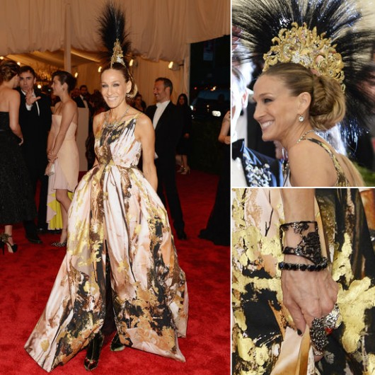 met-gala-2013-sarah-jessica-parker-giles-deacon