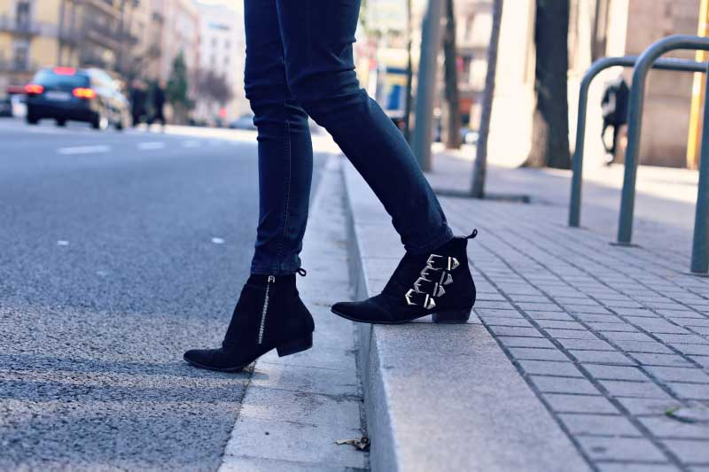 style-in-lima-zara-buckle-boots