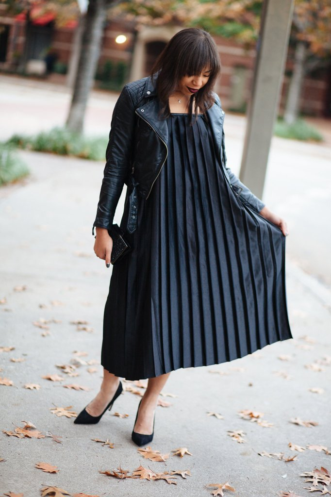 Kaylah_Burton_Style_Me_Twice_Nasty_Gal_Shape_Shifter_Pleated_Dress_Nasty_Gal_Runner_Lipstick_Dallas_Fashion_bloggers_