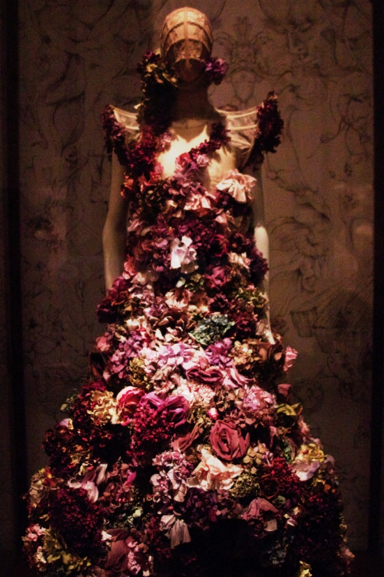 Alexander McQueen Savage Beauty Costume Institute Metropolitan Museum of Art 8
