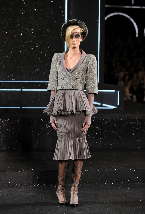 Chanel Haute Couture Fall Winter 2011 Collection 23