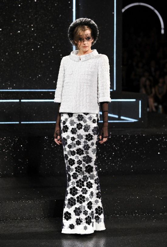 Chanel Haute Couture Fall Winter 2011 Collection 58