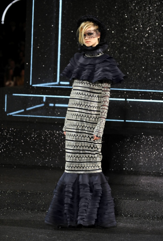 Chanel Haute Couture Fall Winter 2011 Collection 60