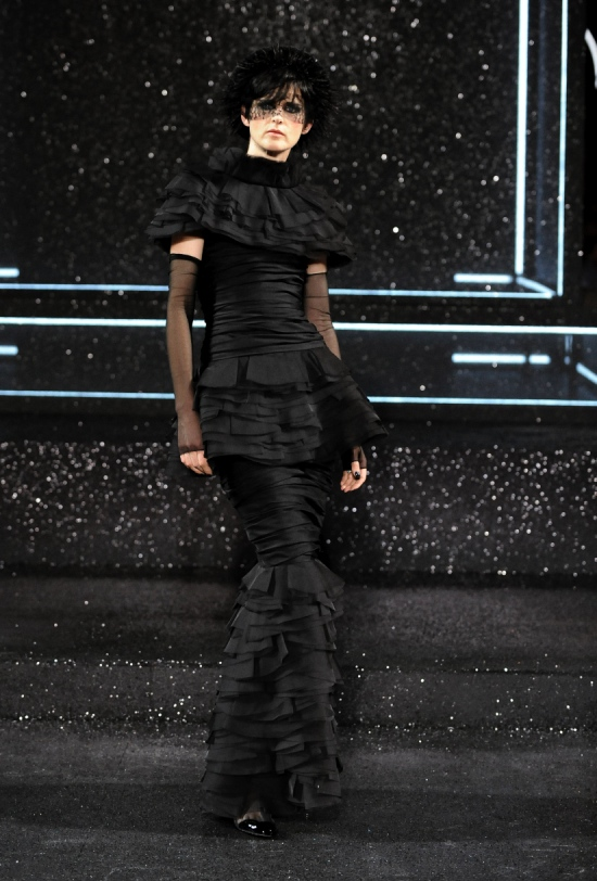 Chanel Haute Couture Fall Winter 2011 Collection 62