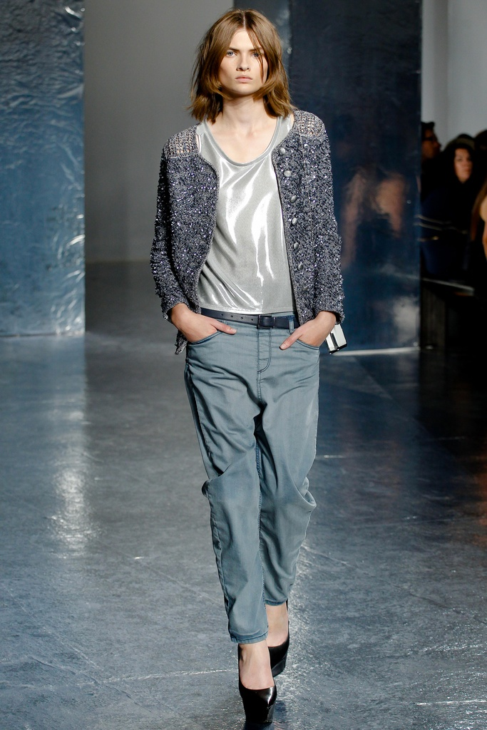 Theyskens' Theory Spring Summer 2012 Collection 18
