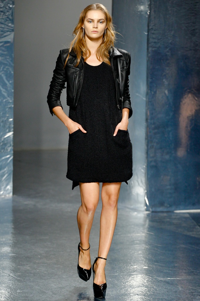Theyskens' Theory Spring Summer 2012 Collection 33