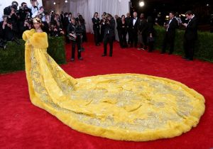 Rihanna_StyleStamped_MetGala_2015