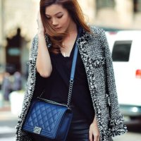 Knee-length Tweed Coat Outfit for Winter