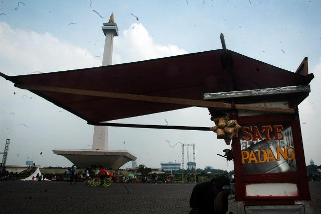 Monas 02 DES 2012 - SuaraJakarta.com (3)