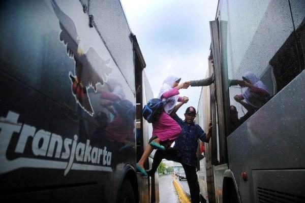 Dalam Sepekan, Dua Bus Transjakarta Rusak Saat Beroperasi