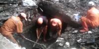 PPSU Bersihkan Saluran Air Di Jalan Perwira