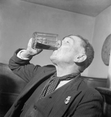 SI Beer chug