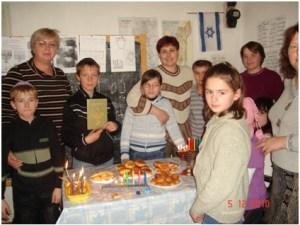 Школьники Высокого празднуют Хануку