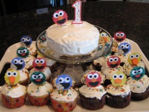 first-birthday-cake-and-cupcakes1