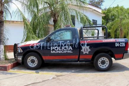Habitantes de Buenavista retienen a policias y exigen la liberación de autodefensas presos