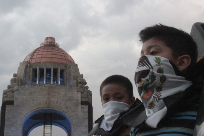 Marchan por Ayotzinapa en DF