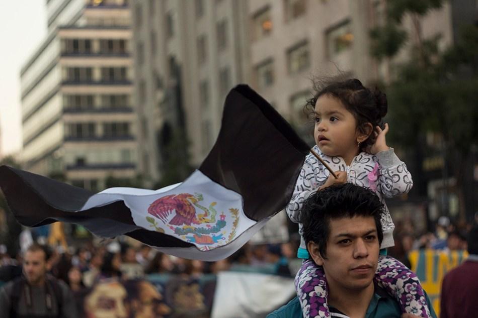 1DMX 2014: «No Peña, tú no eres Ayotzinapa»