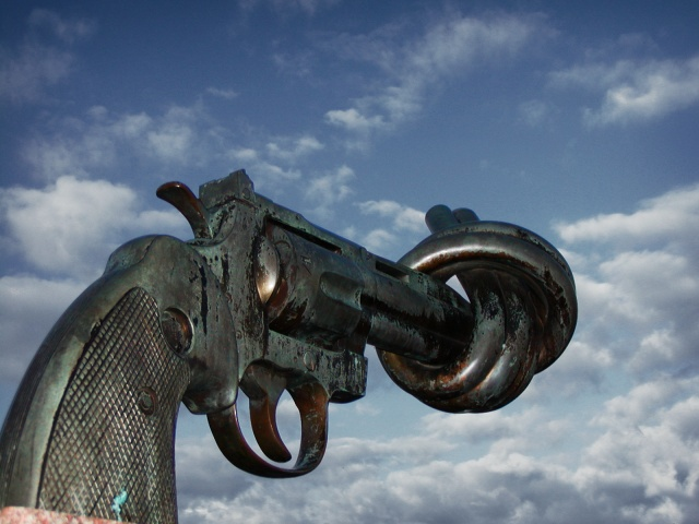 Non-violence Sculpture by Carl Fredrik Reuterswärd