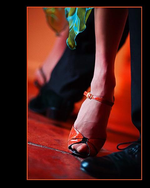 tango toes image