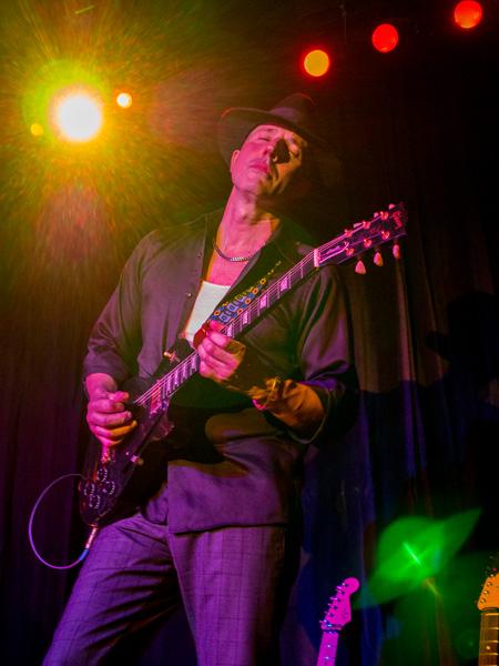 anthony mazzella guitarist by bob coates photography