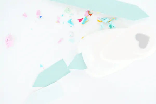 DIY mini confetti jars by sugar and cloth
