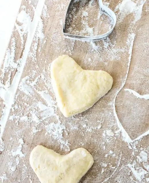 Eats: The best heart shaped donuts | Sugar & Cloth Recipe - Houston Blogger