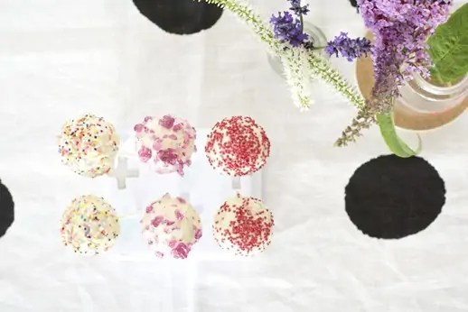 DIY cake pop stand and recipe