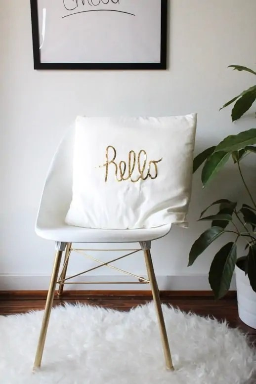 DIY sequined hello pillow by sugar and cloth