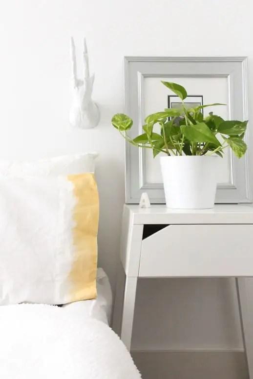 DIY Liquid Gold Ombre Pillowcases - Sugar & Cloth - Houston Blogger - Home Decor
