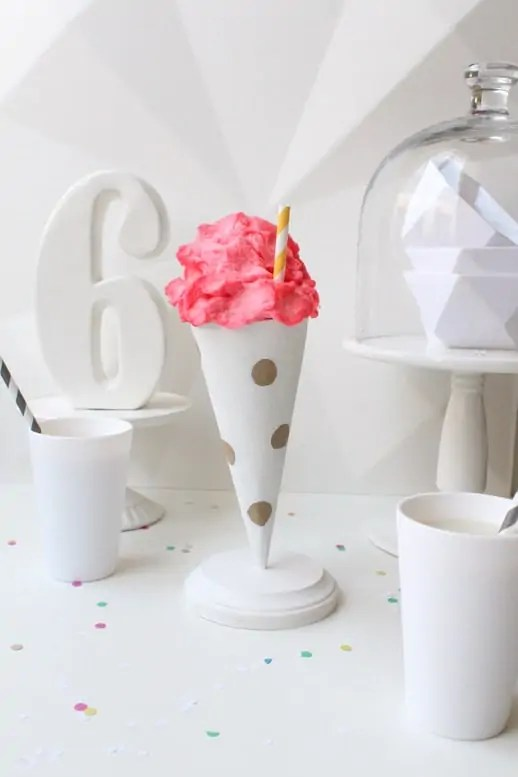 polka dot party cone favors