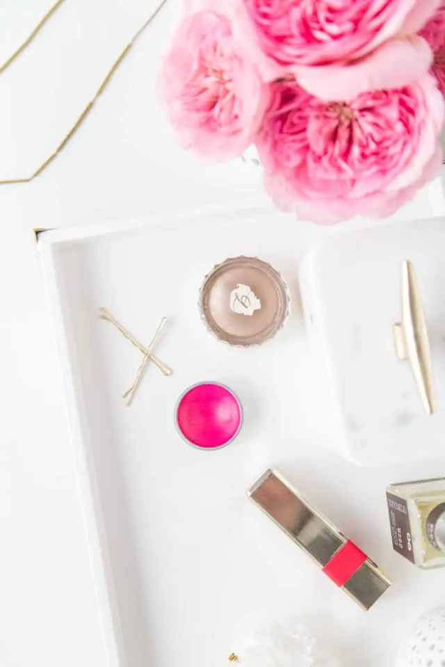 DIY vanity tray | sugarandcloth.com
