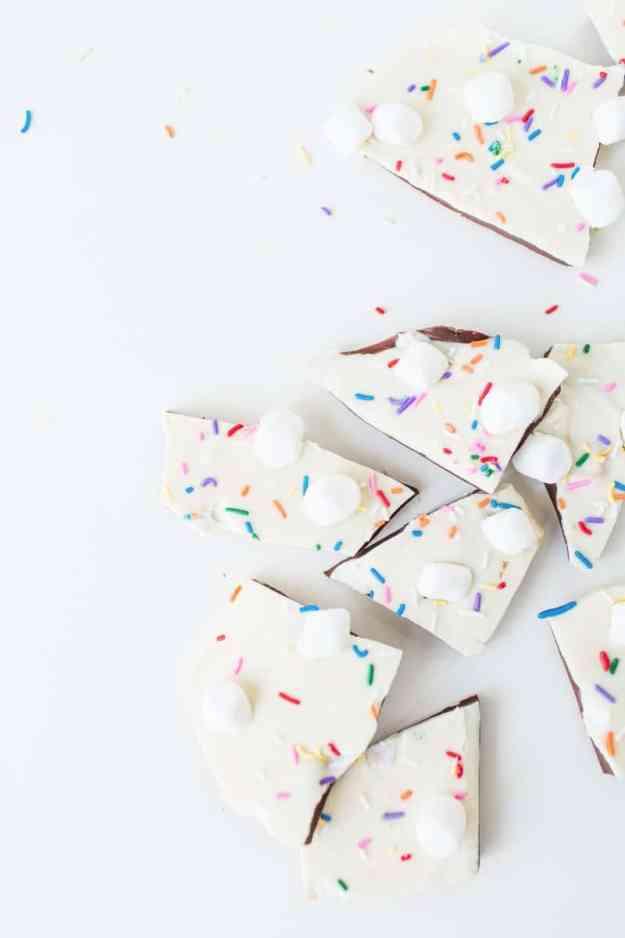 s'mores bark recipe | sugarandcloth.com