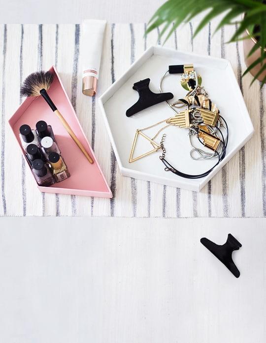 organizer na kosmetyki i biżuterię
