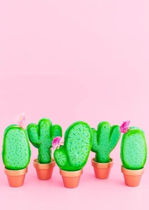 DIY potted cactus macarons | sugar & cloth