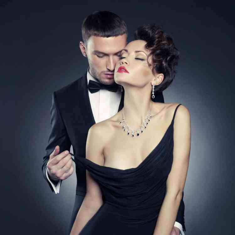 couple-in-excluisive-relationship